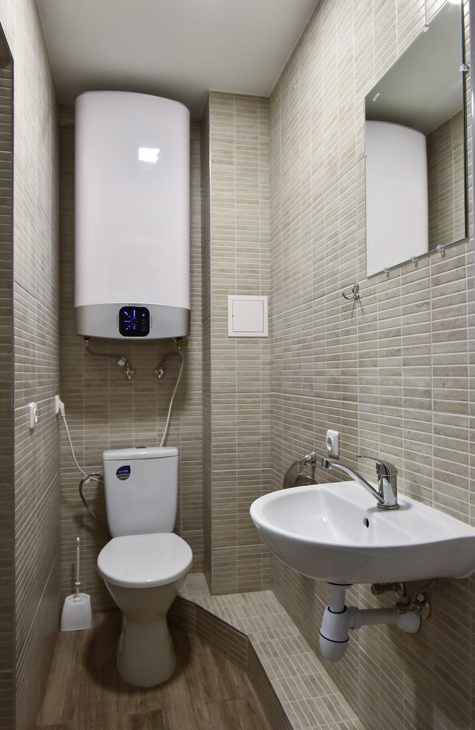 Dušas ir tualetas sublokuotiems kambariams (dviviečiui ir triviečiui) (4)