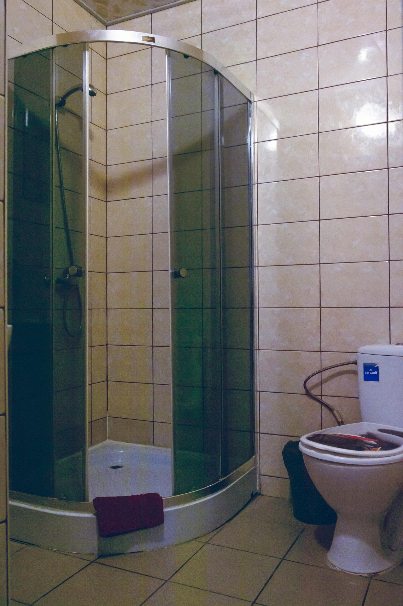 Kambarių su patogumais dušas ir tualetas